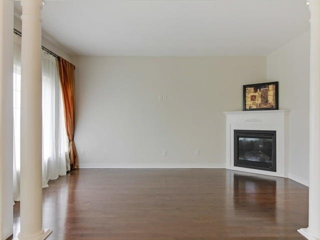 N4345707 4 - Sale House in Vaughan Ontario-Bedrooms:5 Washrooms:4