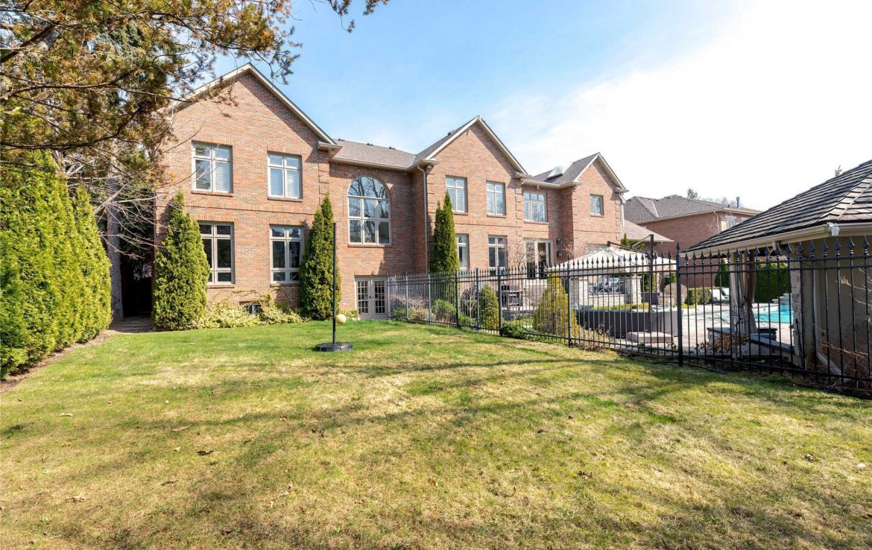 C4400975 20 1170x738 - فروش خانه لاکچری در Highland Cres تورنتو