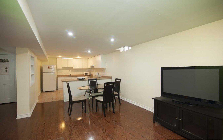 N4366614 3 1170x738 - 2 Bedrm Lower Unit Apartment On A Fabulous Area