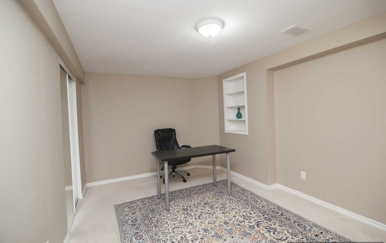 N4366614 5 1170x738 - 2 Bedrm Lower Unit Apartment On A Fabulous Area