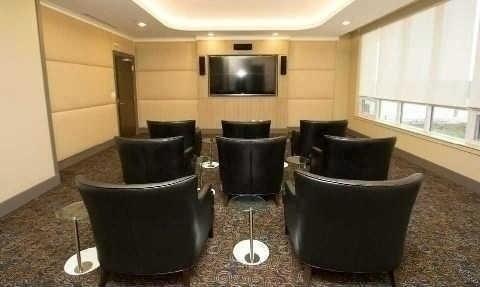 N4408632 15 - Rent-World on Yonge-1 room