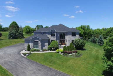 n4351586 1 250x250 385x258 - SALE-LUXURY-Whitchurch-Stouffville Ontario