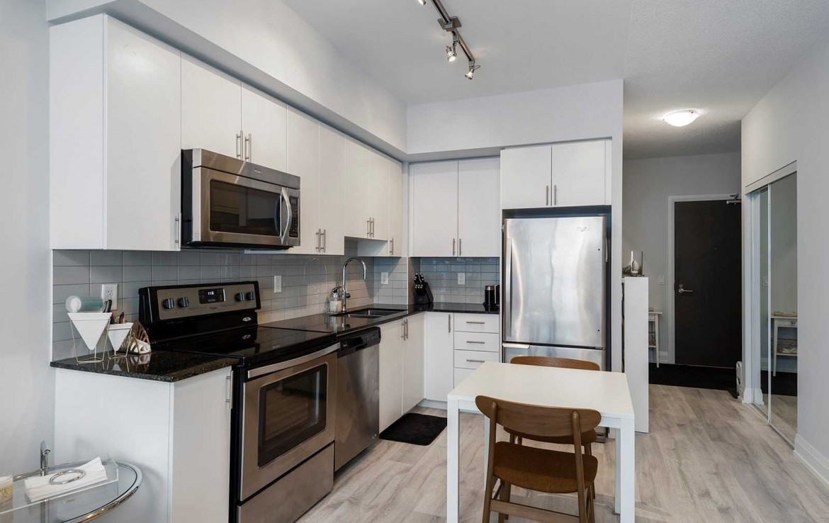 N4438143 Bathurst Centre 15 1170x738 - -Lease 1 room condo- Vaughan