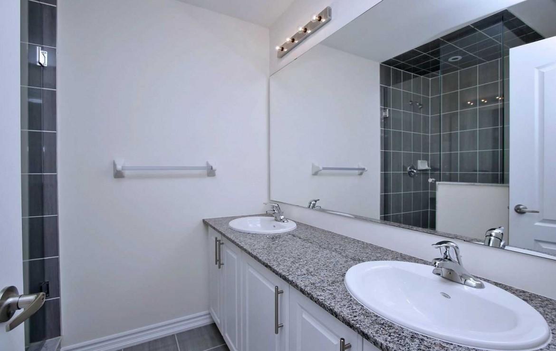 N4479634 16 1170x738 - Rent-New town house-richmondhill