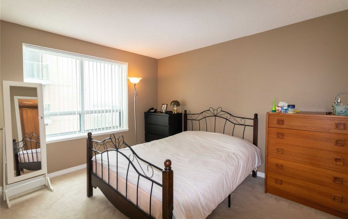 N4494318 15 1170x738 - 2rooms condo richmondHill-utility include -2400 monthly