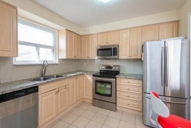 N4617292 2 385x258 - RENT HOUSE  CROSBY RICHMONDHILL -  CODE:2282