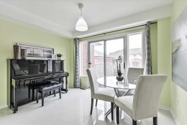 N4623667 8 385x258 - Rent Town House-Richmond Hill Bantry
