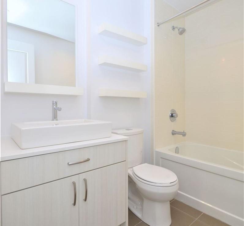 N4667065 9 797x738 - -RICHMOND HILL-CODE34510-Rent 2 Bedroom Condo